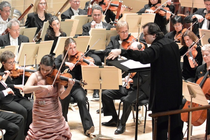 Conductor-Andris-Nelsons-leads-the-BSO-and-violinist-Baibe-Skride-in-her-BSO-debut-in-Shostakovichs-Violin-Concerto-No.-1-Stu-Rosner