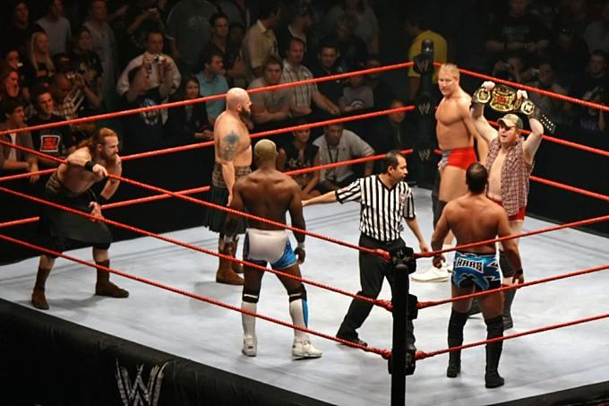 WWE-Triple-Threat-Tag-Title-Match,-RLA-Melb-10.11.2007
